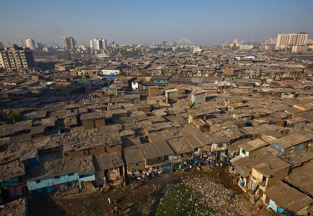 Фото №1 - В Индии районы с зараженными коронавирусом просто оцепила полиция