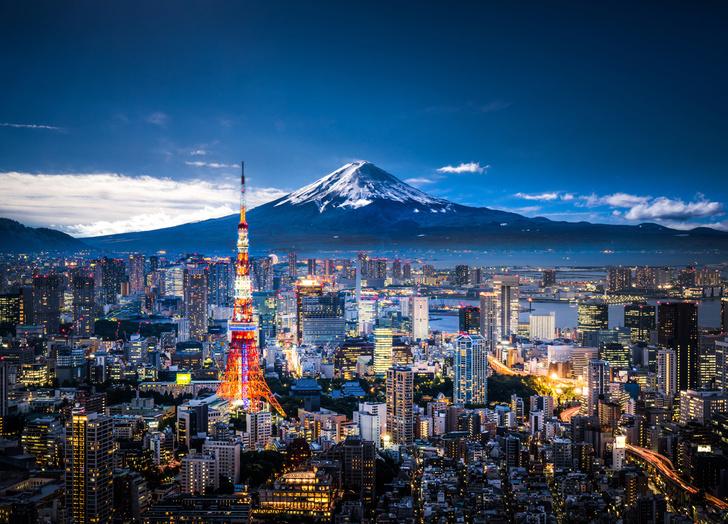Фото №1 - Когда разрешено восхождение на Фудзияму?