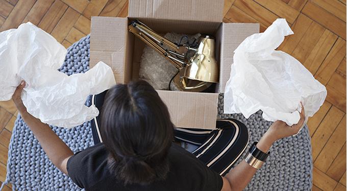 Маникюр, салоны красоты, одежда и торты: как выбирать услуги и товары в Инстаграм?
