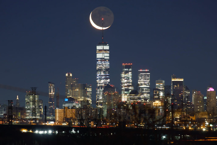 Фото №1 - Восход луны