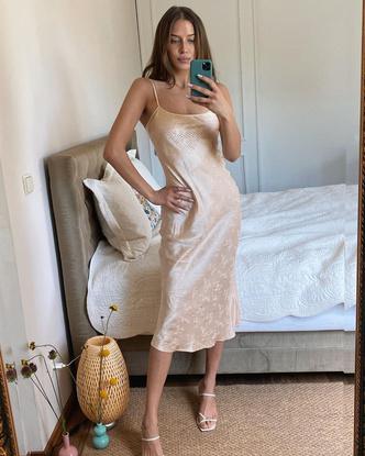 Фото №14 - Гардероб новой девушки Брэда Питта: 6 любимых вещей модели Николь Потуральски