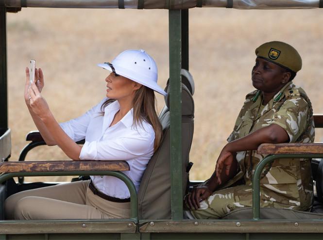 Фото №3 - Почему «африканский» гардероб Мелании Трамп оказался таким спорным