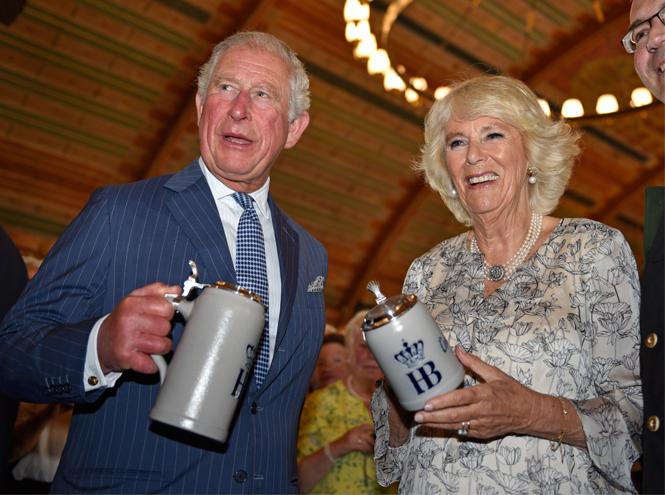 Фото №5 - Арчи Сассекского тайно представили Уильяму и Кейт
