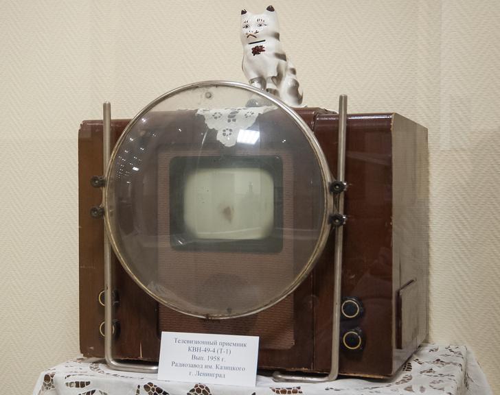 Первый советский серийный телевизор.