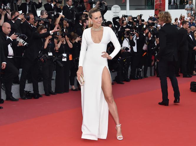 Фото №7 - Модные Канны-2017: Винни Харлоу, Адриана Лима и другие красавицы вечера премьер 18 мая