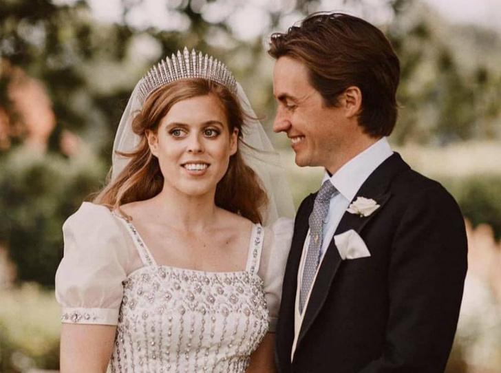 Фото №2 - Как Беатрис собирается отпраздновать первую годовщину свадьбы