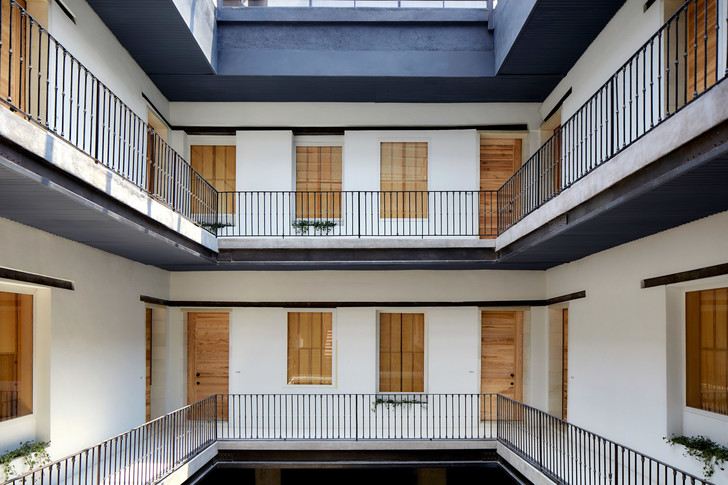 Фото №3 - Минималистский отель в здании XIX века в Мехико