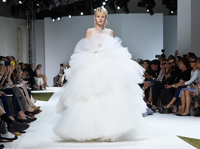 Фото №26 - В деталях: лучшие свадебные платья haute couture осень/зима 2016
