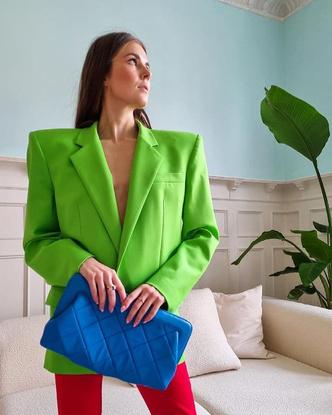 Фото №3 - Как носить ярко-зеленый цвет— самый модный в этом сезоне