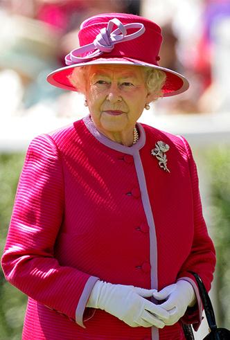 Фото №4 - Делайте ставки, господа: шляпки Королевы на Royal Ascot