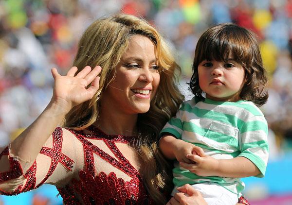 Шакира с сыном Миланом на финале ЧМ-2014