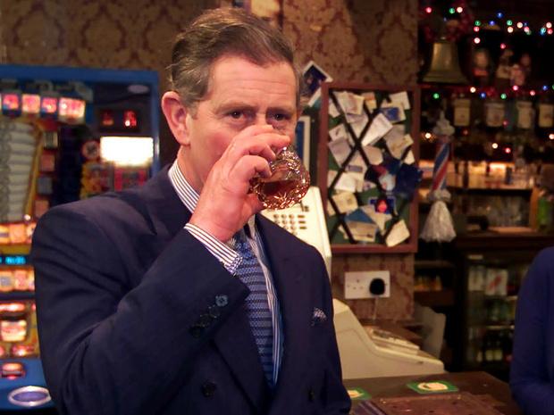 Фото №3 - Королевский бар: какие напитки Виндзоры выбирают на Рождество