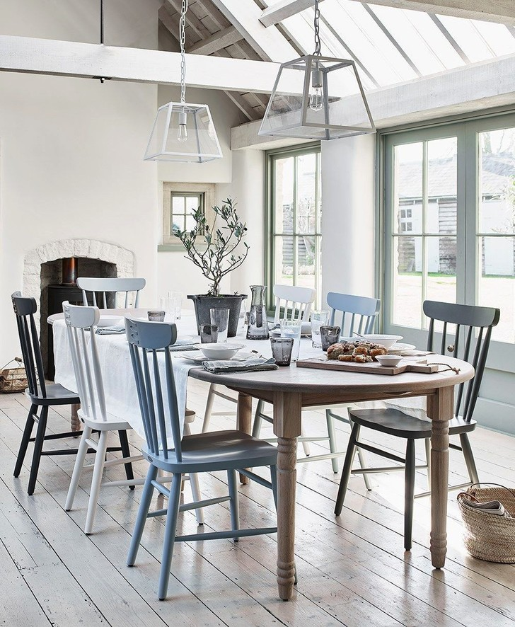 Фото №1 - Вопросы читателей: разномастные стулья в столовой