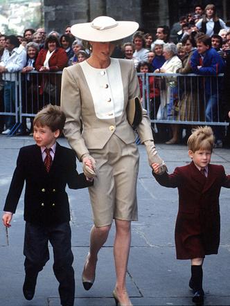 Фото №5 - Самое странное королевское правило, которому был обязан следовать Джордж (но не Луи)