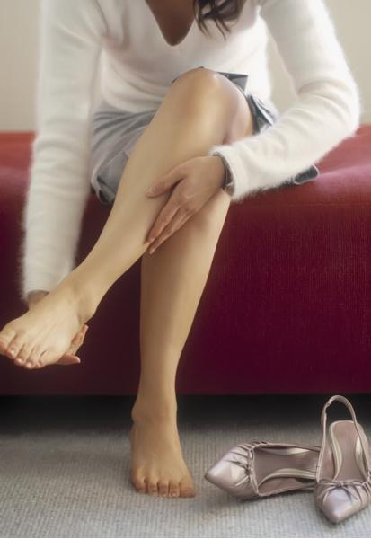 Фото №1 - Сухость, шишки, варикоз: простые способы забыть проблемы и вернуть ногам легкость и красоту