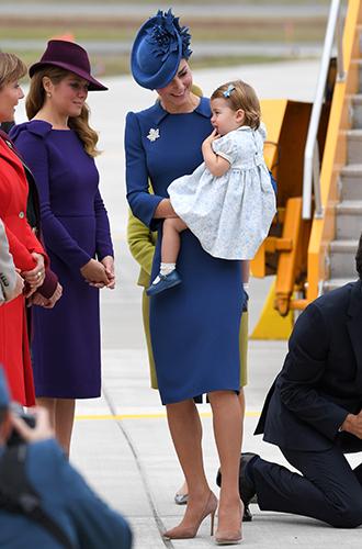 Фото №8 - Принц Джордж, принцесса Шарлотта и Кейт Миддлтон стали звездами канадского тура