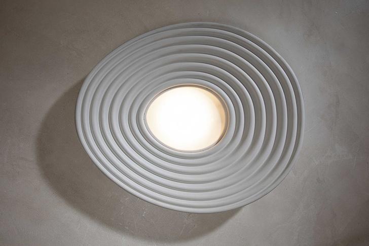 Потолочный светильник R. O. M. A., дизайн студии Debonademeo для Karman, 2020.