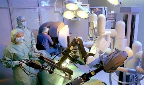 Фото №1 - В Петербурге робот да Винчи избавил мужчину от ожирения