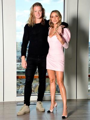 Фото №7 - Звезда реалити-шоу, модель и дизайнер: что известно о новой девушке Джонни Деппа