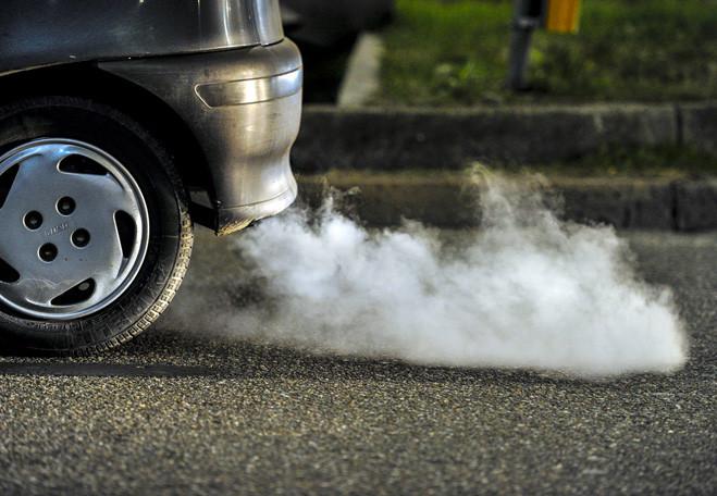 Фото №2 - Как понять, чем «болен» автомобиль, по цвету выхлопных газов
