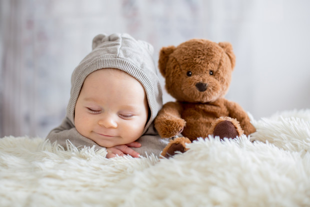 сколько ребенок должен спать в 2 месяца