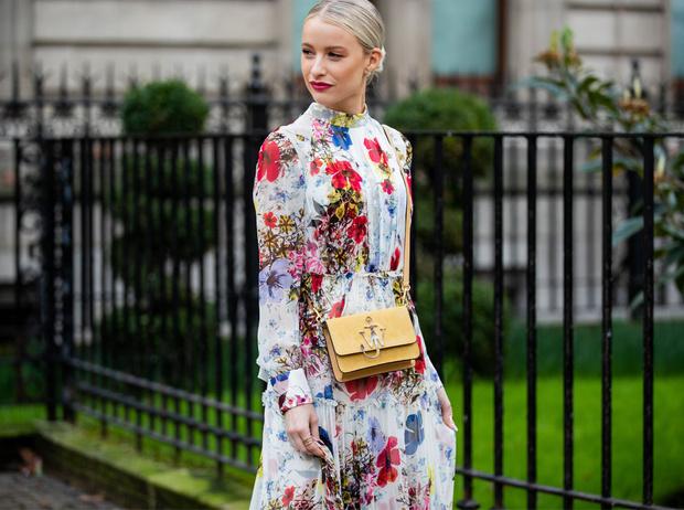 Фото №1 - Как носить цветочный принт: 6 модных идей на каждый день