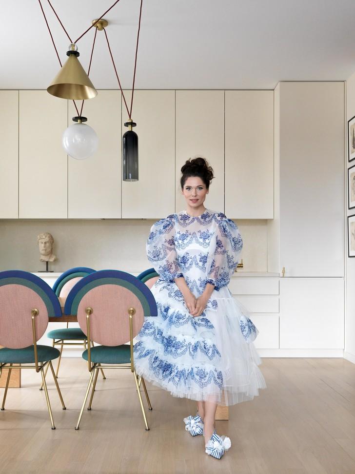 Фото №3 - Домашняя коллекция: какие произведения искусства есть дома у Полины Аскери