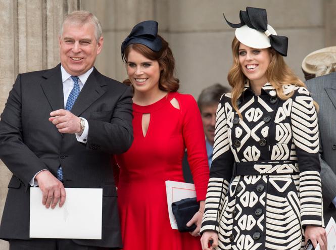Фото №1 - Быть как Кейт Миддлтон: принцессы Беатрис и Евгения просятся на Королевскую службу
