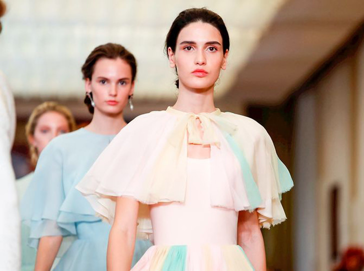 Фото №1 - Единороги в СССР: Ulyana Sergeenko Couture FW18