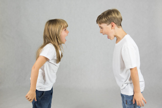 Фото №2 - Как правильно обижать девочек: 3 фразы, которыми можно испортить сына