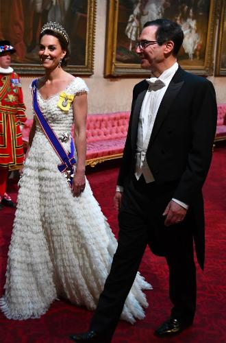 Фото №3 - Как прошел прием в честь Дональда Трампа в королевском дворце