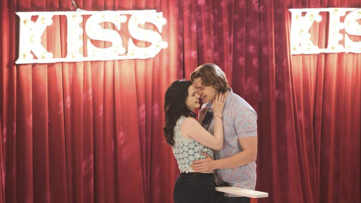 Фото №1 - Стоит ли ревновать парня к его лучшей подруге: разбираемся на «Будке поцелуев 2»