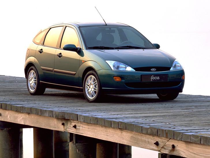 Фото №1 - За ним стояли в очереди по полгода: «Форд-Фокус», который сделал иномарки доступными