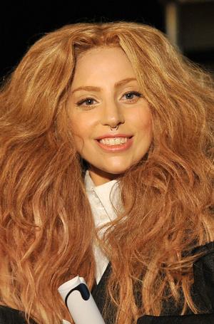 Фото №16 - Как хорошела Леди Гага: все о громких бьюти-экспериментах звезды