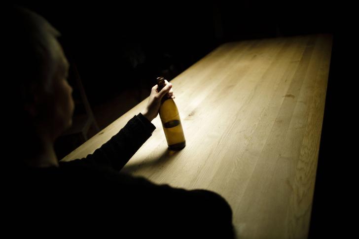 Фото №1 - Что алкоголь делает с организмом после 40 лет