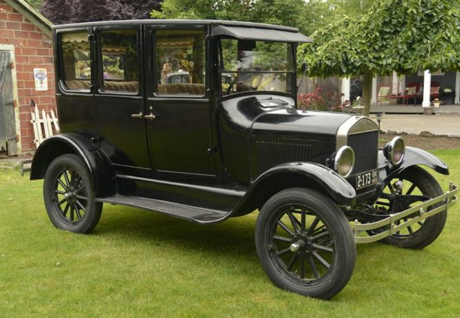 Фото №3 - 10 культовых автомобилей XX века, которые мир помнит до сих пор