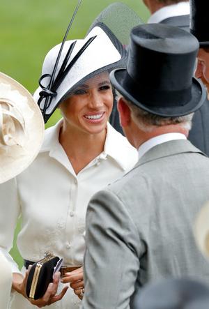Фото №4 - Любимая невестка: почему Меган всегда была ближе принцу Чарльзу, чем Кейт