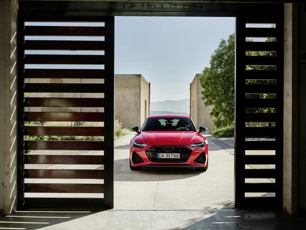 Фото №1 - Новый Audi RS 7 Sportback: инновационный дизайн и высокая эффективность