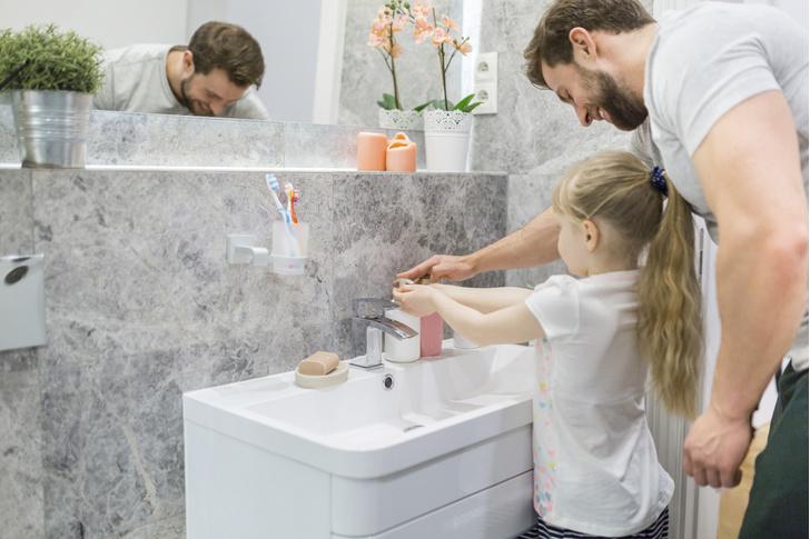 Фото №2 - 5 привычек британских родителей, которые шокируют русских мам