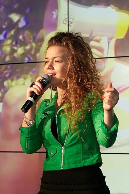 Певица Ms. Sounday