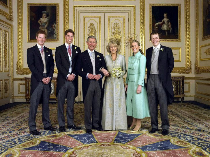 Фото №4 - Как Уильям и Гарри отреагировали на помолвку Чарльза и Камиллы