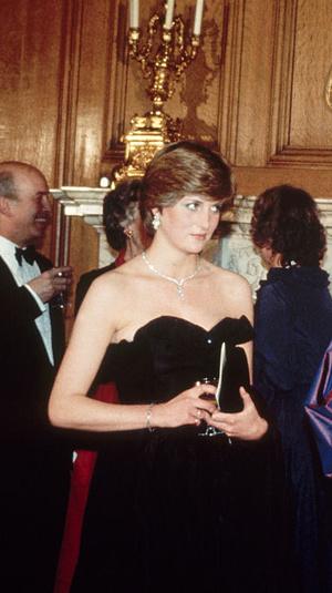 Фото №13 - Первые модные победы: лучшие образы Дианы до брака с принцем