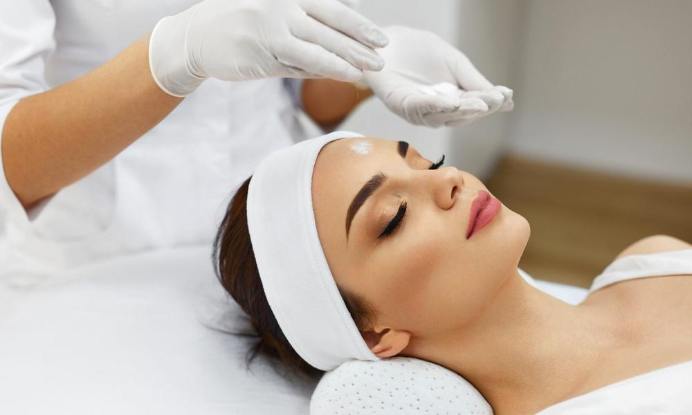 Wday тестирует: процедуры для увлажнения и омоложения лица