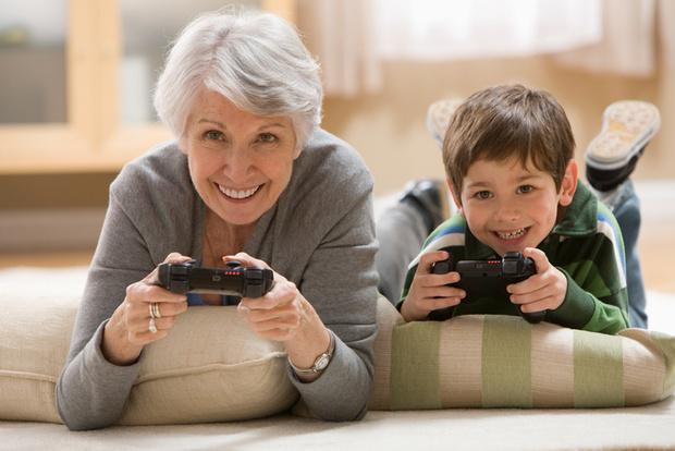 Фото №2 - Бабушка или няня: как сделать правильный выбор