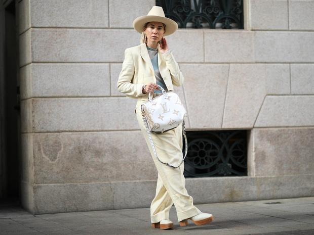 Фото №2 - Пора в пастель: как носить самые нежные оттенки сезона