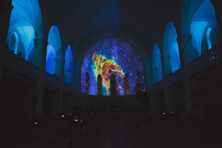 Фото №1 - Space Sound: звуки и картины космоса под сводами собора