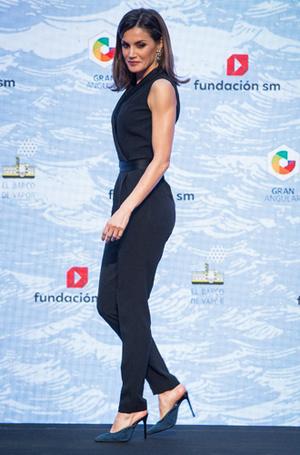 Фото №3 - Модные эксперименты Летиции: как испанская королева борется с протоколом