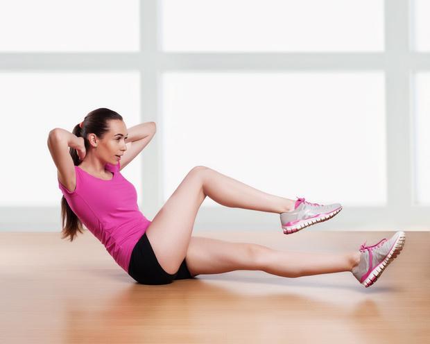Фото №1 - 10 упражнений, которые помогут сжечь жир на животе за 10 минут в день