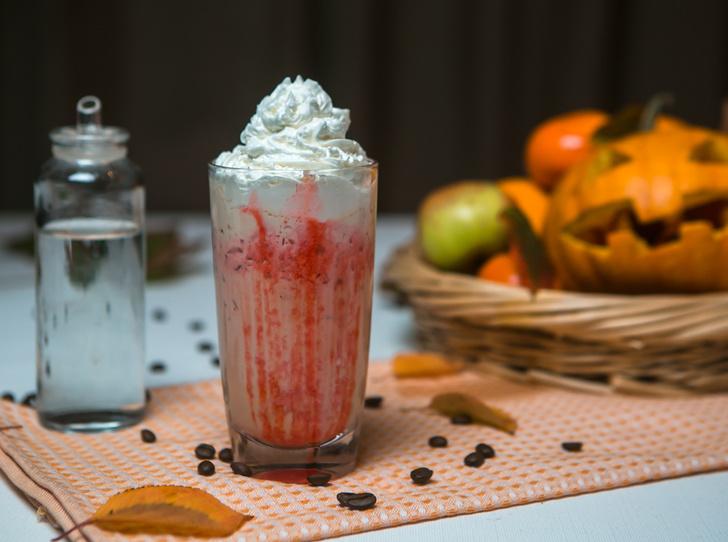 Фото №3 - Страшно вкусно: три рецепта кофе для горячего Хэллоуина