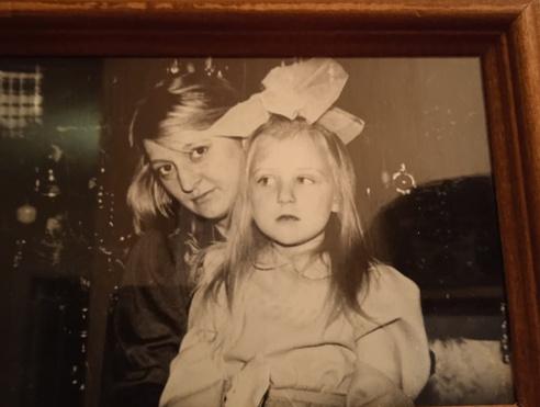 Фото №29 - 15 фото, которые докажут: дочки превращаются в копии своих мам